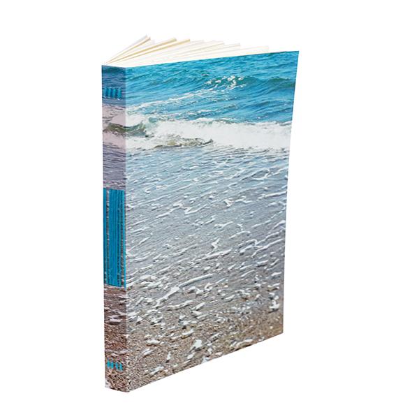 une image de couverture maritime, on entendrait presque le mouvement des vagues